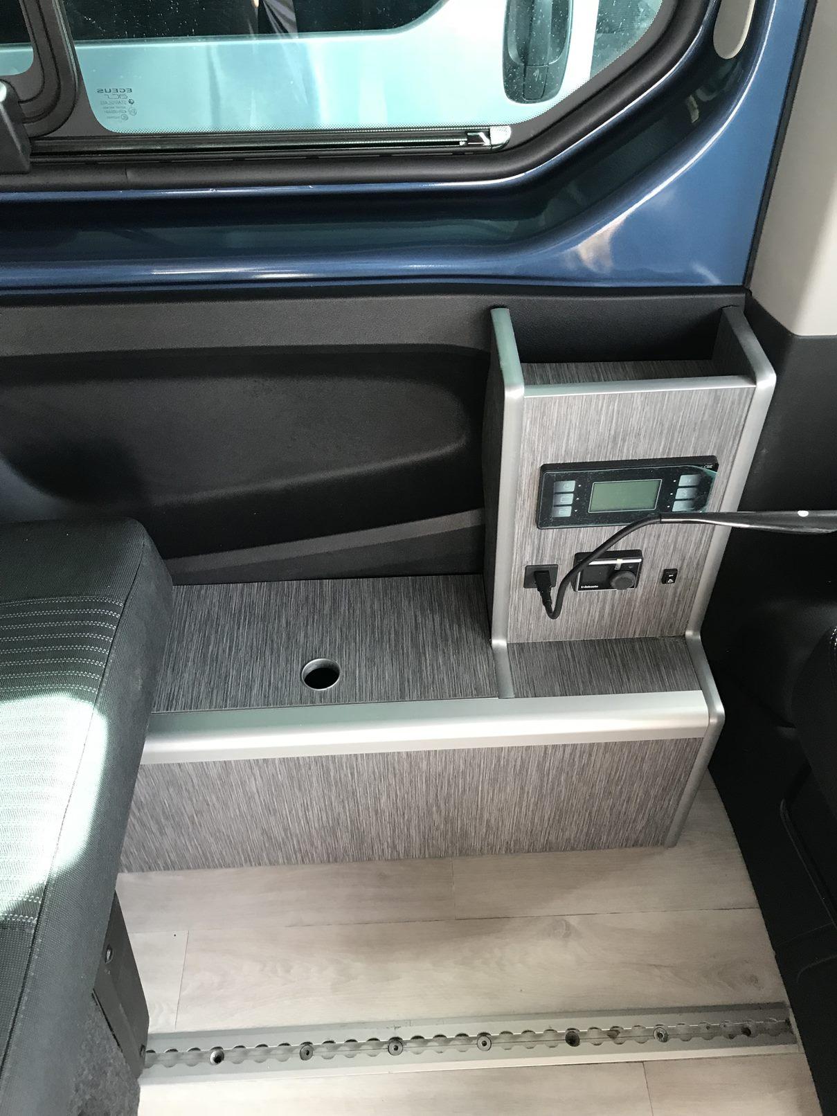 Talento L1H1 interior cargador
